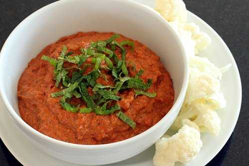Delicious Roasted Red Pepper Dip