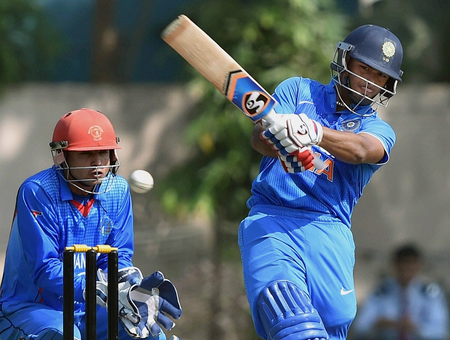 Kolkata: India's Rishab Pant plays a shot against Afghanistan during their match of U-19 Cricket Tri-series Cricket Tournament in Kolkata on Saturday. PTI Photo by Swapan Mahapatra  (PTI11_21_2015_000149B)