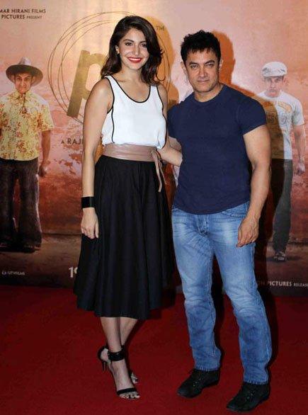 Aamir-Khan-and-Anushka-Sharma-releases-the-teaser-of-film-PK-on-Diwali