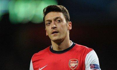 Mesut Ozil helped Arsenal to regain top place in Premier League tournament