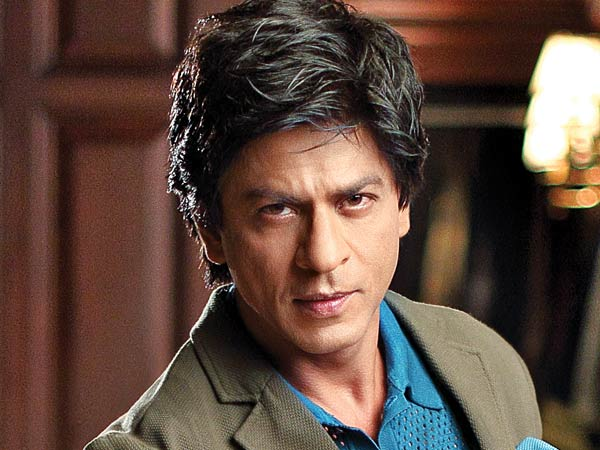 SRK maintains distance from social media!