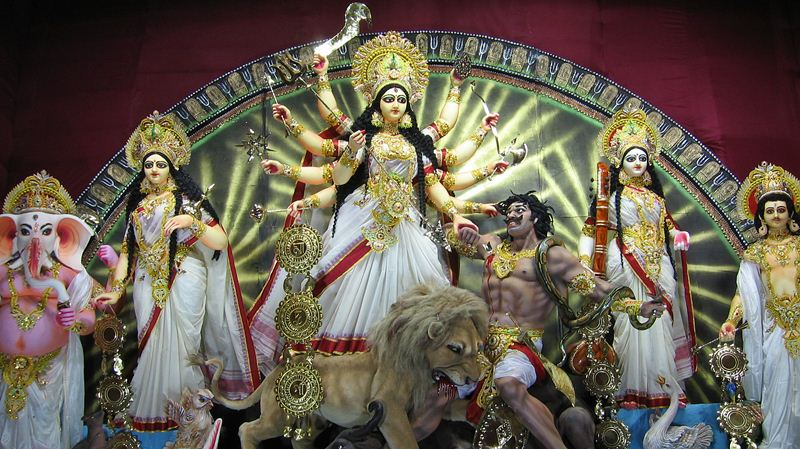 India gets into a festive mood as Navratri begins from today!