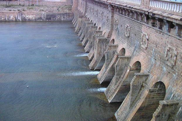 Dam--621x414