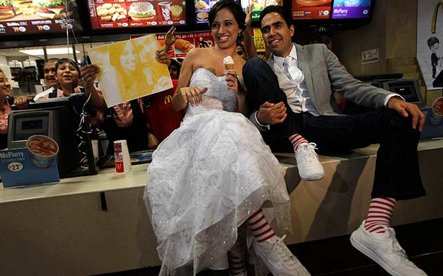 Marisela-Matienzo-and-Carlos-Munoz-got-married-at-a-McDonalds-in-the-suburb-of-San-Pedro-Garza-neighboring-Monterrey-in-Mexico-
