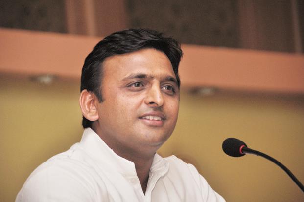 Akhilesh Yadav clears doubts, calls Samajwadi Pariwar united