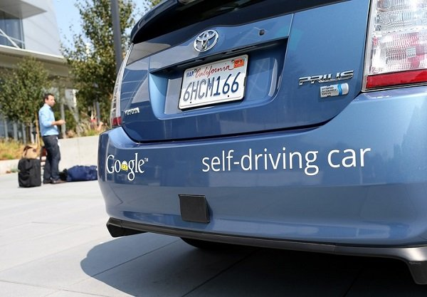 US unveils driverless cars guidelines