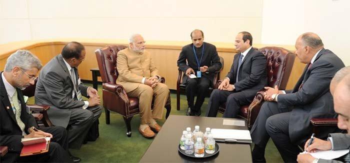 narendra-modi-meets-abdel-fattah-el-sisi-during-united-nations-summit-2015-201512-1456809079