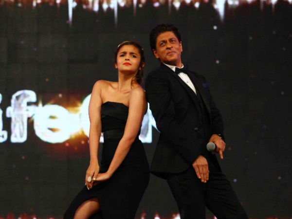 SRKand Alia Bhatt to be the first guest on Koffee with Karan 6!