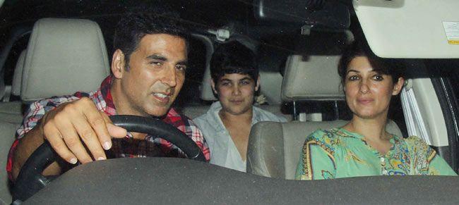 Akshay Kumar with wife Twinkle Khanna and son Aarav