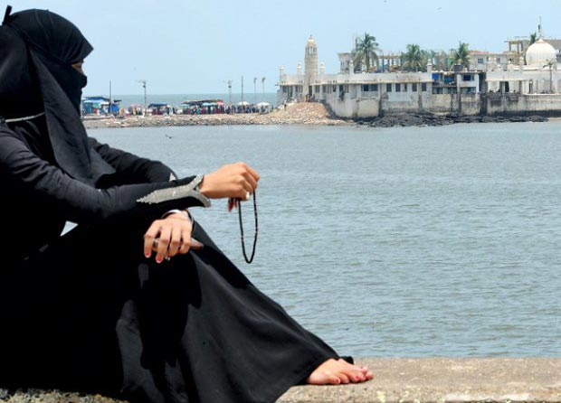 Women to be granted access in Haji Ali Dargah
