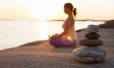Meditation V/S Vacation : Which one is a better stress buster?