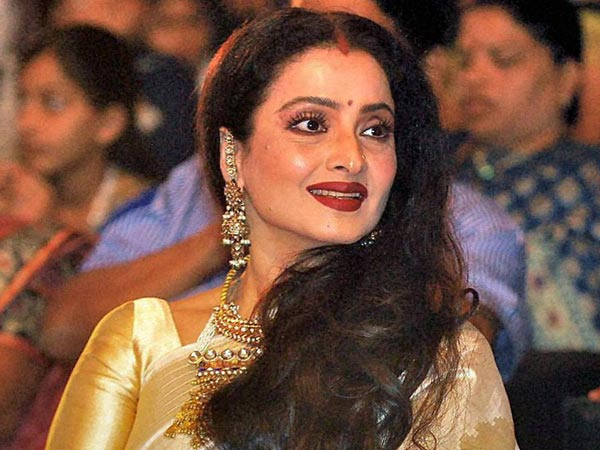 Tale of a Timeless Beauty: Rekha turns a year older