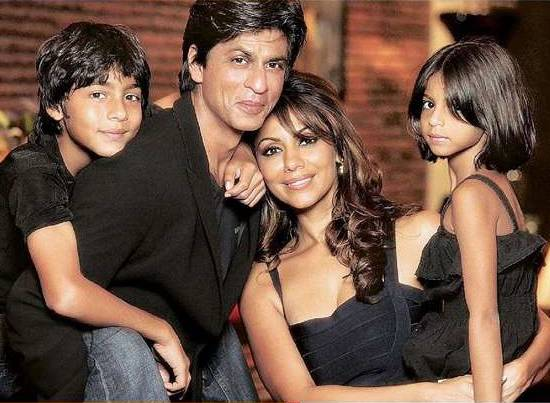 Gauri and SRK are celebrating their 25th anniversary