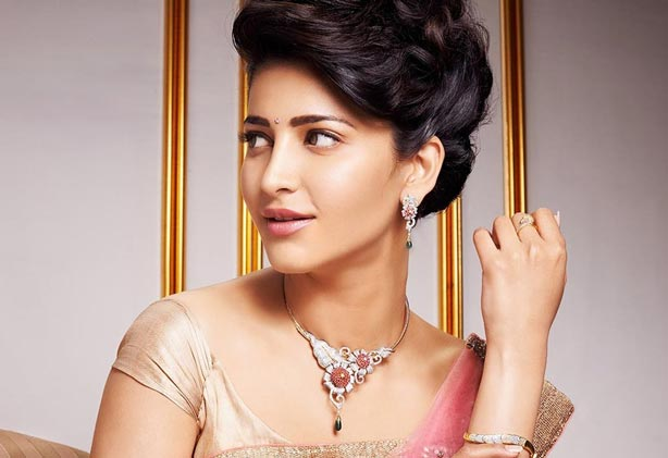 Shruti Haasan gets a death threat from a stalker!