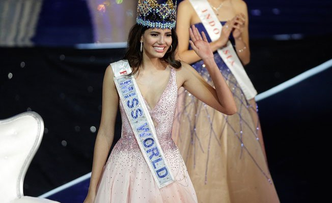 Stephanie Del Valle wins the title of Miss World of 2016