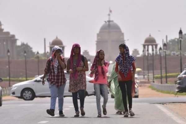 feeling heat in Delhi even in February